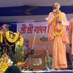 kavicandra_swami_speaks at Shantipur festival