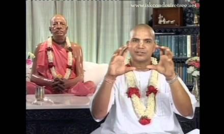 भगवद गीता अध्याय १, श्लोक २०,  कुरुक्षेत्र के युद्धस्थल में सैन्यनिरीक्षण
