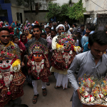 devotees-hold-jagannath-during-the-procession-in Karanchi-Pakistan