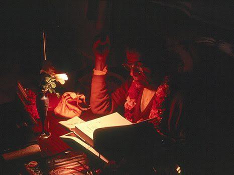 श्रील प्रभुपाद की पुस्तकें कैसे लिखी गयीं और हमें क्यों उन्हें पढ़ना चाहिए ?