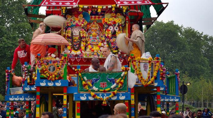 लंदन में रथयात्रा उत्सव