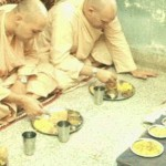 Srila Gurudev and Srila Prabhupada enjoying prasadam together