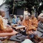 Srila-Prabhupada-giving-instructions